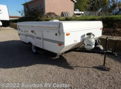 Used 2002  Forest River Rockwood Freedom 1940 by Forest River from Bourbon RV Center in Bourbon, MO