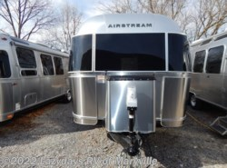 New 2017  Airstream International Signature 23FB by Airstream from Chilhowee RV Center in Louisville, TN