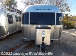 New 2017  Airstream International Signature 28 Twin by Airstream from Chilhowee RV Center in Louisville, TN