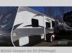 Used 2016  CrossRoads Zinger ZT28BH by CrossRoads from Campers Inn RV in Ellwood City, PA