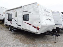 Used 2010  Coachmen Catalina 22FB by Coachmen from Colerain RV of Cinncinati in Cincinnati, OH