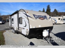 New 2017  Forest River Wildwood X-Lite 261BHXL by Forest River from Cooper's RV Center in Murrysville, PA