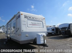 Used 2009  Forest River Rockwood Signature Ultra Lite 8313SS by Forest River from Crossroads Trailer Sales, Inc. in Newfield, NJ