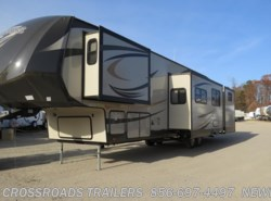 Used 2015  Forest River Salem Hemisphere Lite 356QB by Forest River from Crossroads Trailer Sales, Inc. in Newfield, NJ