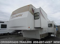 Used 2004  Fleetwood Triumph 35-5L by Fleetwood from Crossroads Trailer Sales, Inc. in Newfield, NJ