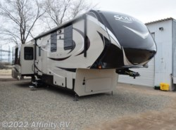 Used 2016  Grand Design Solitude 377-MB by Grand Design from Affinity RV in Prescott, AZ