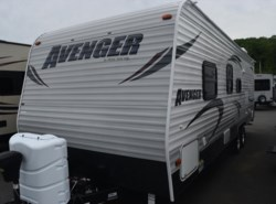 Used 2014  Prime Time Avenger 26BH by Prime Time from Diamond RV Centre, Inc. in West Hatfield, MA