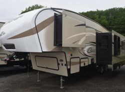 New 2018  Keystone Cougar 25RES by Keystone from Diamond RV Centre, Inc. in West Hatfield, MA