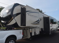 Used 2017  Keystone Montana High Country 362RD by Keystone from Diamond RV Centre, Inc. in West Hatfield, MA