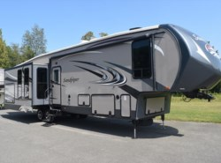 Used 2014  Forest River Sandpiper 350RK by Forest River from Diamond RV Centre, Inc. in West Hatfield, MA