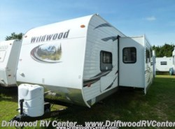 Used 2014  Forest River Wildwood 402QBQ by Forest River from Driftwood RV Center in Clermont, NJ