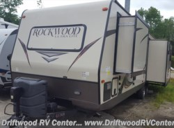 Used 2015  Forest River Rockwood 2703WS by Forest River from Driftwood RV Center in Clermont, NJ