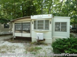 Used 1983  Canterbury Park Models  1BR by Canterbury Park Models from Driftwood RV Center in Clermont, NJ