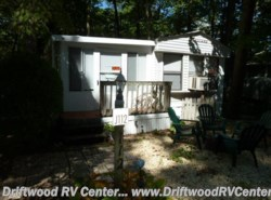 Used 1987  Mallard Coach Mallard 2BR by Mallard Coach from Driftwood RV Center in Clermont, NJ