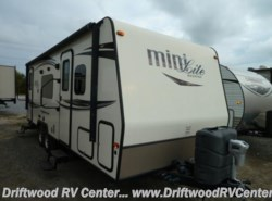 Used 2015  Forest River Rockwood 2503S by Forest River from Driftwood RV Center in Clermont, NJ