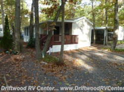 Used 1999  Breckenridge  2BR by Breckenridge from Driftwood RV Center in Clermont, NJ