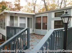 Used 1990  Mallard Coach Mallard 2BR by Mallard Coach from Driftwood RV Center in Clermont, NJ