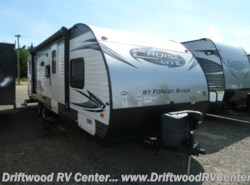 Used 2016 Forest River Salem Cruise Lite 263BHXL available in Clermont, New Jersey