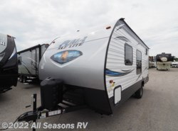 New 2019  Palomino Puma XLE 17QBC by Palomino from All Seasons RV in Muskegon, MI