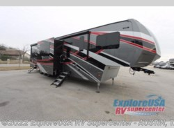 New 2017  Dutchmen Voltage Epic V3890 by Dutchmen from ExploreUSA RV Supercenter - KYLE, TX in Kyle, TX