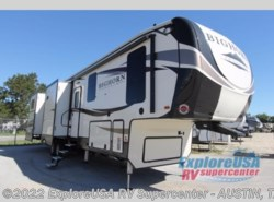 New 2018  Heartland RV Bighorn Traveler 38BH by Heartland RV from ExploreUSA RV Supercenter - KYLE, TX in Kyle, TX