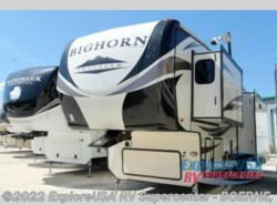 New 2017  Heartland RV Bighorn Traveler 32RS by Heartland RV from ExploreUSA RV Supercenter - BOERNE, TX in Boerne, TX