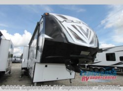 New 2017  Dutchmen Voltage V3975 by Dutchmen from ExploreUSA RV Supercenter - BOERNE, TX in Boerne, TX