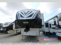 New 2017  Dutchmen Voltage V3895 by Dutchmen from ExploreUSA RV Supercenter - SEGUIN, TX in Seguin, TX