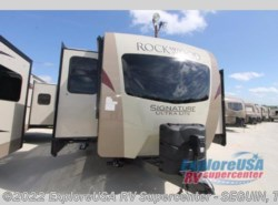 New 2017  Forest River Rockwood Signature Ultra Lite 8324BS by Forest River from ExploreUSA RV Supercenter - SEGUIN, TX in Seguin, TX