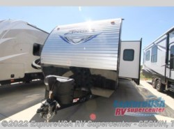 New 2018  CrossRoads Zinger Z1 Series ZR328SB by CrossRoads from ExploreUSA RV Supercenter - SEGUIN, TX in Seguin, TX