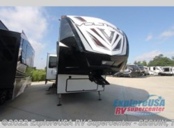 New 2018  Dutchmen Voltage V3805 by Dutchmen from ExploreUSA RV Supercenter - SEGUIN, TX in Seguin, TX