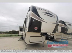 New 2018  Heartland RV Bighorn Traveler 37SS by Heartland RV from ExploreUSA RV Supercenter - SEGUIN, TX in Seguin, TX