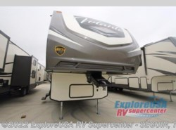 New 2018  CrossRoads Volante 295BH by CrossRoads from ExploreUSA RV Supercenter - SEGUIN, TX in Seguin, TX