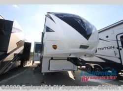New 2018  Dutchmen Voltage V3605 by Dutchmen from ExploreUSA RV Supercenter - SEGUIN, TX in Seguin, TX
