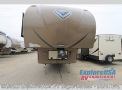 New 2017  Forest River Flagstaff Super Lite 527RLWS by Forest River from ExploreUSA RV Supercenter - DENTON, TX in Denton, TX