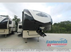 New 2017  Dutchmen Denali 293RKS by Dutchmen from ExploreUSA RV Supercenter - DENTON, TX in Denton, TX