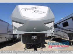 New 2018  Highland Ridge Open Range Roamer RF371MBH by Highland Ridge from ExploreUSA RV Supercenter - DENTON, TX in Denton, TX