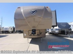 New 2018  Forest River Flagstaff Super Lite 524RLWS by Forest River from ExploreUSA RV Supercenter - DENTON, TX in Denton, TX