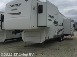 Used 2007  McKenzie Lakota Estate 33SKT by McKenzie from EZ Living RV in Braidwood, IL