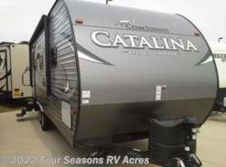 Used 2018  Coachmen Catalina Legacy Edition 223RB by Coachmen from Four Seasons RV Acres in Abilene, KS