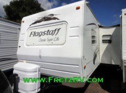 Used 2008  Forest River Flagstaff Classic Super Lite Travel Trailer 831KRSS by Forest River from Fretz  RV in Souderton, PA