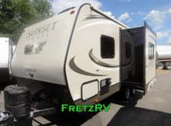 New 2017  CrossRoads Sunset Trail Travel Trailer ST198RB