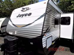New 2018  Jayco Jay Flight 32BHDS by Jayco from Fretz  RV in Souderton, PA