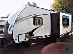 New 2018  CrossRoads Sunset Trail Super Lite SS239BH by CrossRoads from Fretz  RV in Souderton, PA