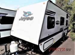 New 2018  Jayco Jay Feather 7 19BH by Jayco from Fretz  RV in Souderton, PA