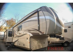 New 2019 Jayco Pinnacle 36FBTS available in Souderton, Pennsylvania