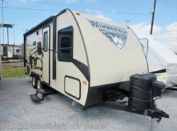Used 2017  Winnebago Micro Minnie 2106DS by Winnebago from Gauthiers' RV Center in Scott, LA