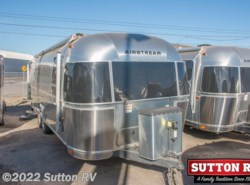 Used 2015  Airstream International Signature 27FB by Airstream from George Sutton RV in Eugene, OR