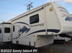 Used 2006  Keystone Montana Mountaineer  328RLS by Keystone from Sunny Island RV in Rockford, IL