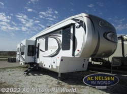 New 2018  Palomino Columbus F384RD by Palomino from AC Nelsen RV World in Omaha, NE